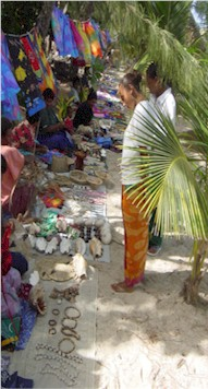 Yasawa ladies selling their items
